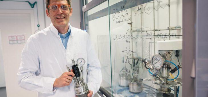 Neuartiges Verfahren: Forscher stellen Biokraftstoff für konventionelle Dieselmotoren her