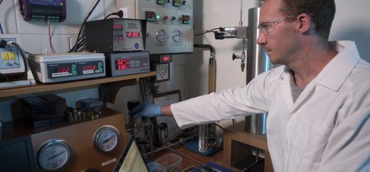 Hochdruck Taupunktmessungen garantieren Sicherheit in Druckluft für Marine Anwendungen