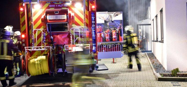 Freiwillige Feuerwehr probt  bei B+S für den Ernstfall