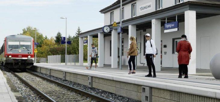 Bahnsteigkante mit integrierter Lärmschutzfunktion von Rieder erstmals in Deutschland im Einsatz