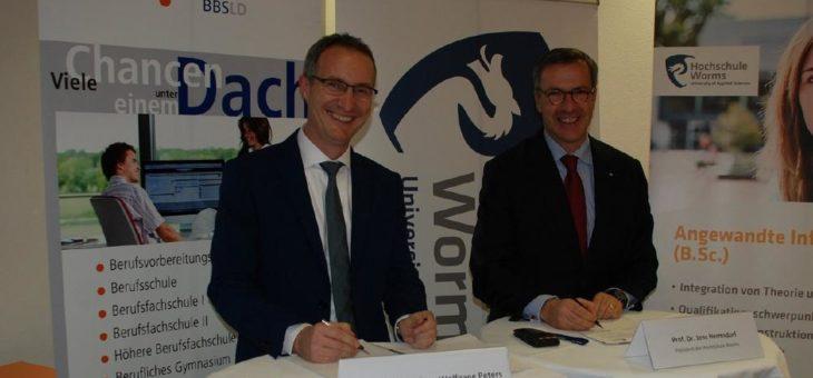 Hochschule Worms und Berufsbildende Schule Landau kooperieren