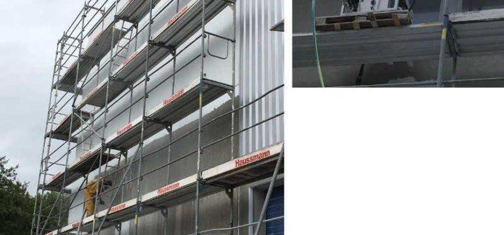 Erfolgreiche Reinigung von Fassaden: Kooperationspartner Effektiv Strahl- und Systemreinigung Süd entfernt schadhaften Fassadenanstrich mittels mycon