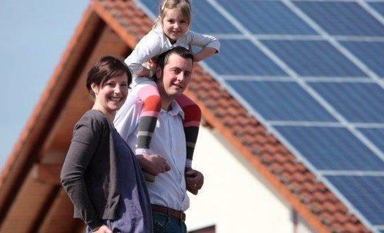 Sonnen Energie erzeugt Strom – 2018 – das Jahr der Photovoltaik und Solar Speicher