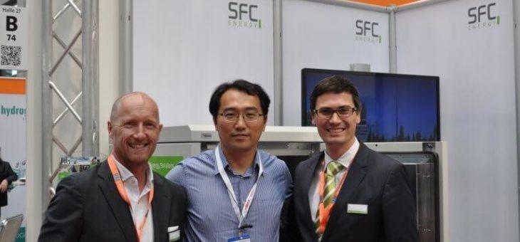 SFC Energy und Beijing Green Century Technologies unterzeichnen Partnerschaftsvereinbarung für EFOY Pro Brennstoffzellen in China
