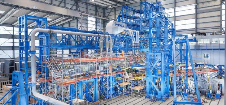 Betriebsfestigkeitsversuch an der Bombardier CSeries: IABG simuliert 180.000 Flüge
