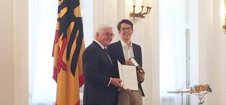 Bundesverdienstkreuz an Plant-for-the-Planet-Gründer Felix Finkbeiner verliehen