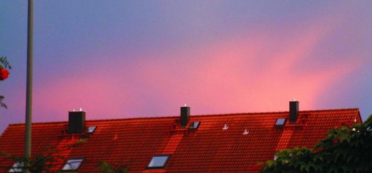 Manche Dachschäden kündigen sich im Wetterbericht an