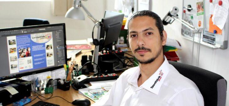 Syrischer Geflüchteter kommt im deutschen Arbeitsmarkt an