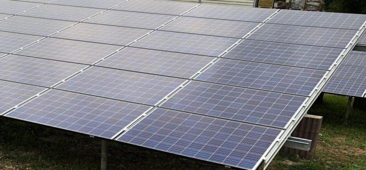 Photovoltaik Solar Freiland Anlage in Bayern