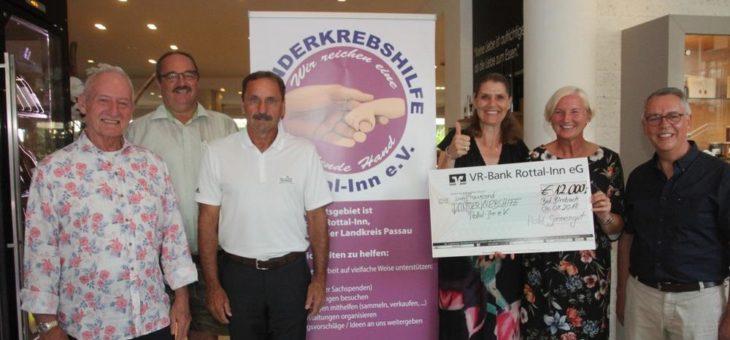 10. Jahre Charity Golf Turnier 2018 für einen guten Zweck: 12.000 Euro für die Kinderkrebs Stiftung Rottal Inn unter der Schirmherrschaft von Schauspieler Sepp Schauer und Familie Franzke vom Hotel Sonnengut eingespielt