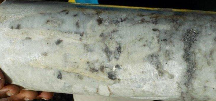 AVZ Minerals: Erneut hochgradige Lithiumgehalte über mächtige Intervalle