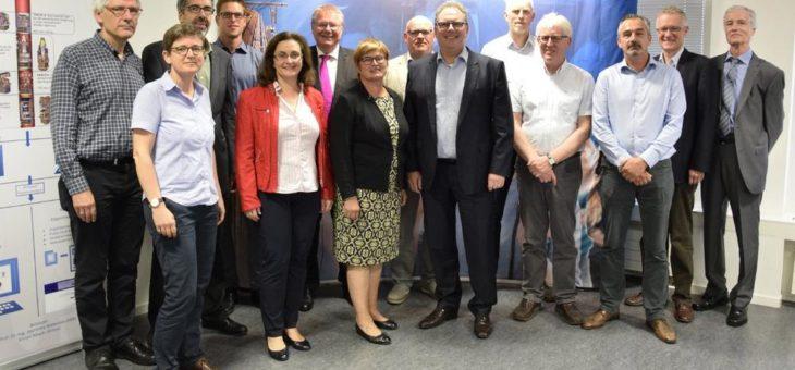 Hochschule Bremen: Seit 25 Jahren eine starke Partnerin für Luft- und Raumfahrt – Staatsrat Ekkehart Siering besucht die HSB