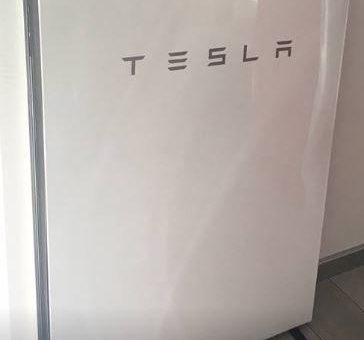 TESLA Powerwall Speicher für Haus und Elektro-Mobilität