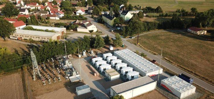 Upside erweitert Batterieportfolio um 16 MW Großspeicher mit Systemtechnik von SMA