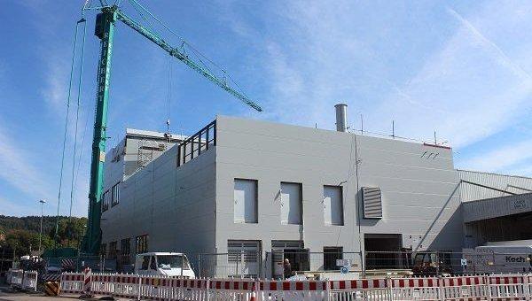 Richtfest im Pirelli Werk Breuberg: Gebäude für neue Produktionsanlage steht
