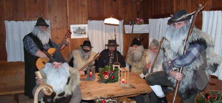 Anklöpfeln, Krippenbau, Bergadvent, Adventsingen und Weihnachtskonzerte – das ist die Adventzeit in der Wildschönau….
