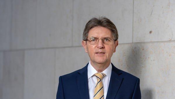 """Vortrag Klaus Vitt, Staatssekretär im Bundesinnenministerium, über """"Cybersicherheit"""" am 7. November 2018 an der TH Wildau"""
