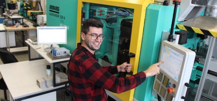 Neueste Maschinentechnologie für den  Spritzguss