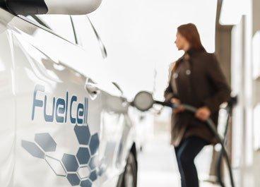 """Fahrzeugingenieur Dr. Ulrich W. Schiefer zum Thema Wasserstoff: """"Das Brennstoffzellenauto – Innovationsversagen trotz deutscher Ingenieurskunst?"""""""