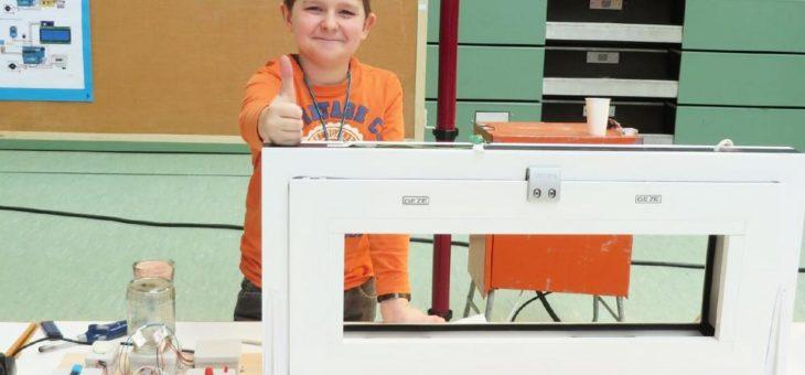 """Jugend forscht"""" – Nick Pfeiffer wird mit Unterstützung von GEZE Regionalsieger"""