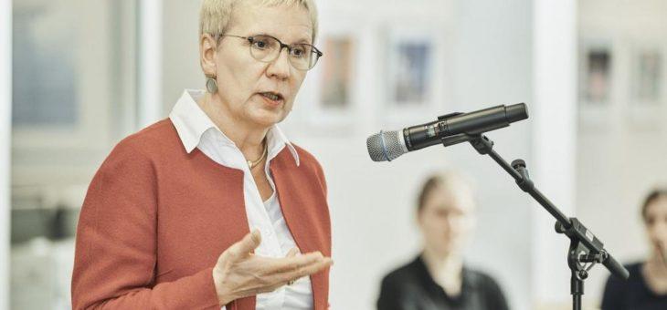 """Eröffnung der Foto-Ausstellung """"Szenenwechsel – Impressionen aus 20 Jahren Kultur an der Hochschule Bremen"""""""