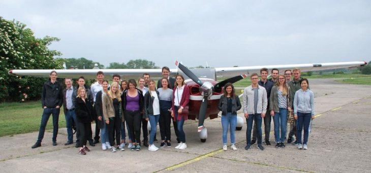 Worms aus der Luft: 8. Schnupperflugtag für Luftverkehrsstudierende
