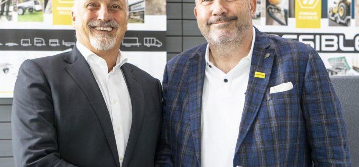 HUMBAUR ehrt Geschäftsführer Oliver Czech für 30 Jahre Betriebszugehörigkeit
