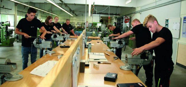 Schneider-Kreuznach intensiviert technische Berufsausbildung mit eigener Ausbildungswerkstatt