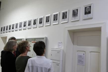 Fotogalerie der Schulleiter und Rektoren feierlich enthüllt