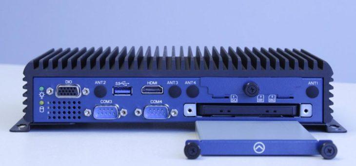 Schnittstellenreicher Embedded-PC im Buchformat