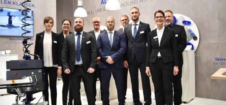 Das AERO-LIFT Messe-Team sagt Bye-bye Blechexpo
