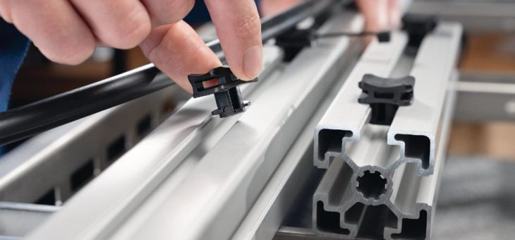 Kabelbindersockel für Alu-Profilschienen haben den Dreh raus