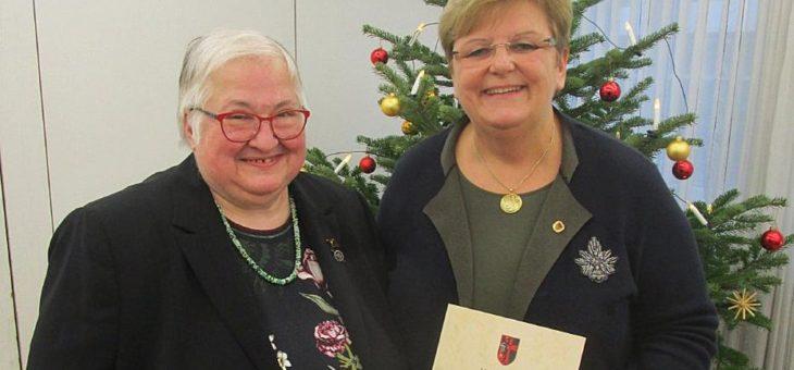 Großes Ehrenzeichen der Sudetendeutschen Landsmannschaft für CDU-Stadträtin Iris Ripsam