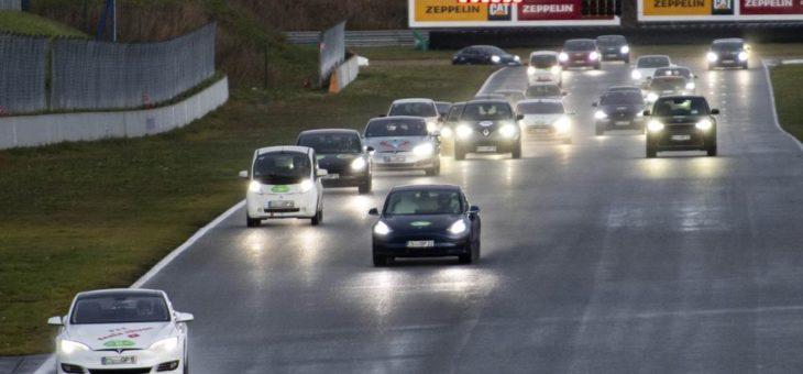 Oschersleben: Mit Elektroautos in 24 Stunden einmal um die Welt
