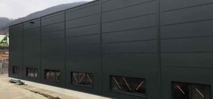 Leuze zieht für sein Bauprojekt eine positive Zwischenbilanz