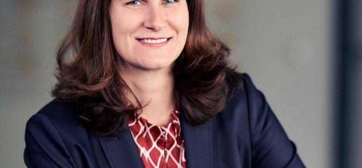 Claudia Lehmann erhält die erste Professur für digitale Innovation im Dienstleistungsbereich