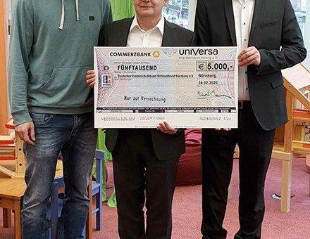Spenden statt Schenken: uniVersa unterstützt Kinderschutzbund mit 5.000 Euro