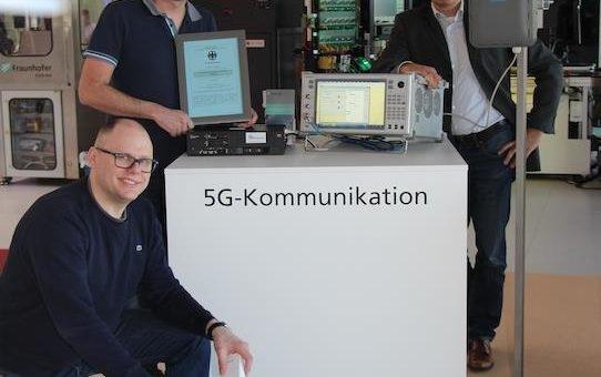 SmartFactoryOWL in Lemgo mit 5G-Mobilfunk ausgestattet