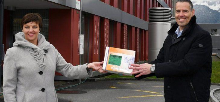 Schwyzer Kantonalbank spendet Masken an Spitäler im Kanton Schwyz