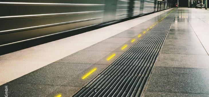 Lenkung von Fahrgastströmen in Bahnsystemen macht ÖPNV sicherer und komfortabler