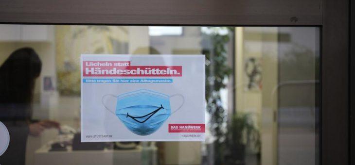Kostenfreie Plakate und Aufkleber zu Abstands- und Hygieneregeln