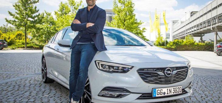 Neuer OpelStore eröffnet: Die ersten 100 Kunden erleben exklusive Opel-Momente