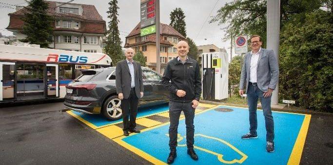 CKW lanciert Schnellladestation mit Strom direkt von der Trolleybus-Oberleitung
