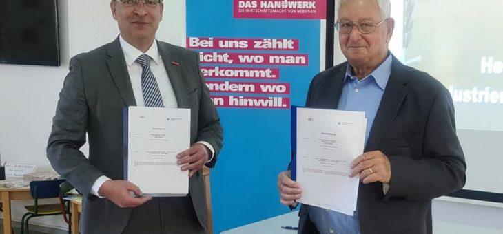 Handwerkskammer Potsdam und Industriemuseum Teltow e.V. besiegeln Partnerschaft zur Berufsorientierung