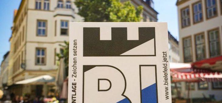 Arminia-Aufkleber ab Donnerstag in der Tourist-Information erhältlich