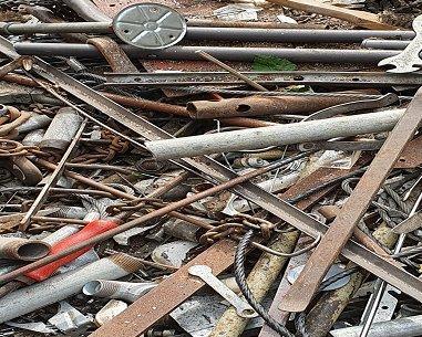 Schrottabholung Bochum – der Schrotthändler bieten für Eisen und Metall gutes Geld