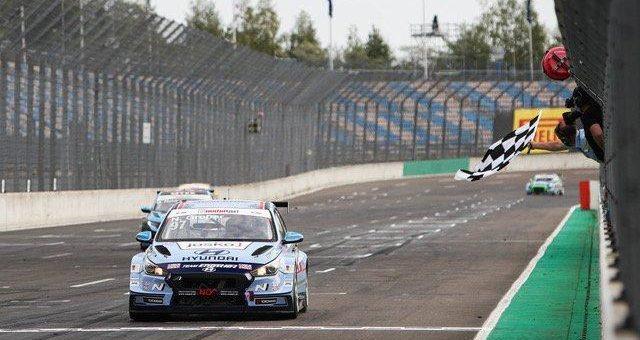 Hyundai Team Engstler mit Sieg und Podestplätzen in der ADAC TCR Germany