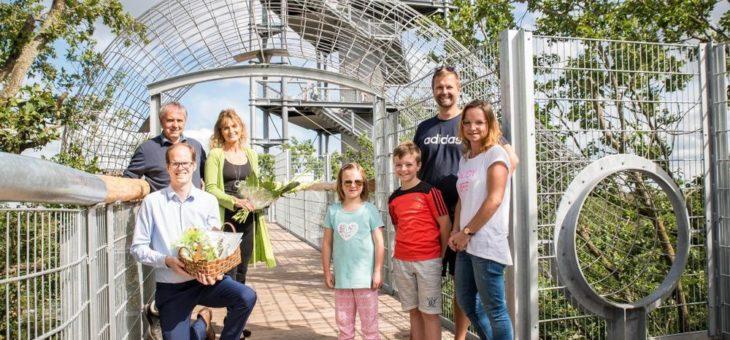 Die Ein-Millionste Besucherin auf dem Baumkronenpfad in Beelitz-Heilstätten