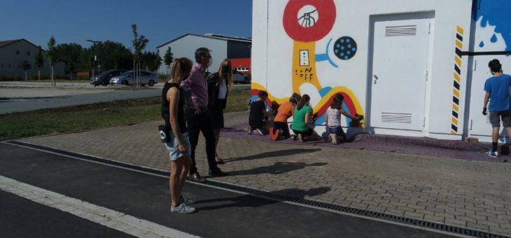 Graffiti-Aktion: Jugendliche gestalten Trafostation in Roßtal
