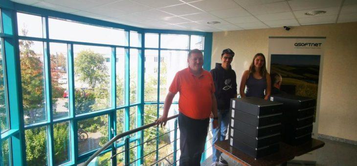Die Asoftnet spendet zehn Computer für Jugendworkshop